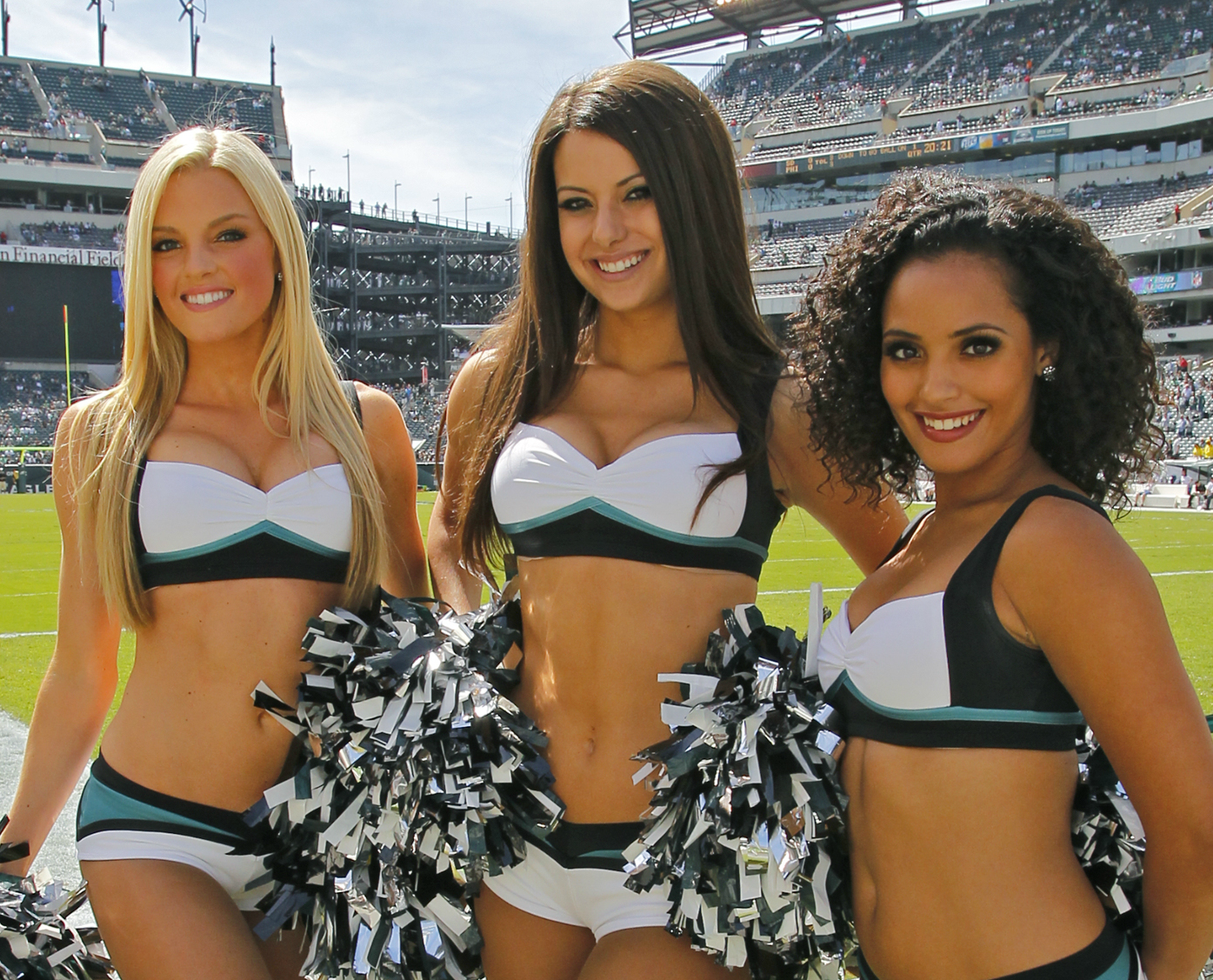 philadelphia-eagles-cheerleaders.png