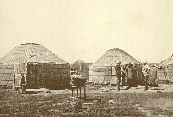 Mongol jurták (XIX. századi fotó)