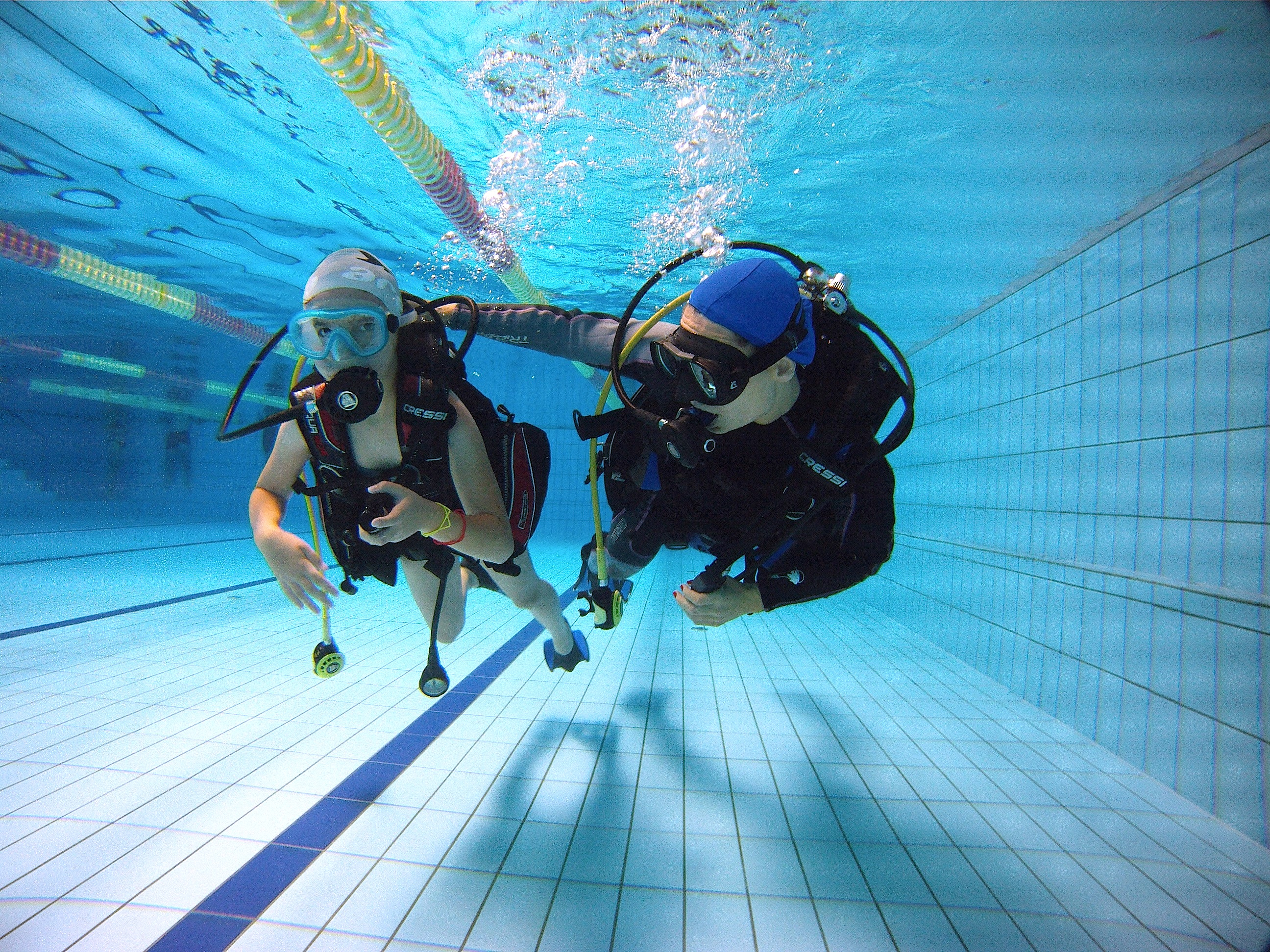 Petra (on the left) during her first dive